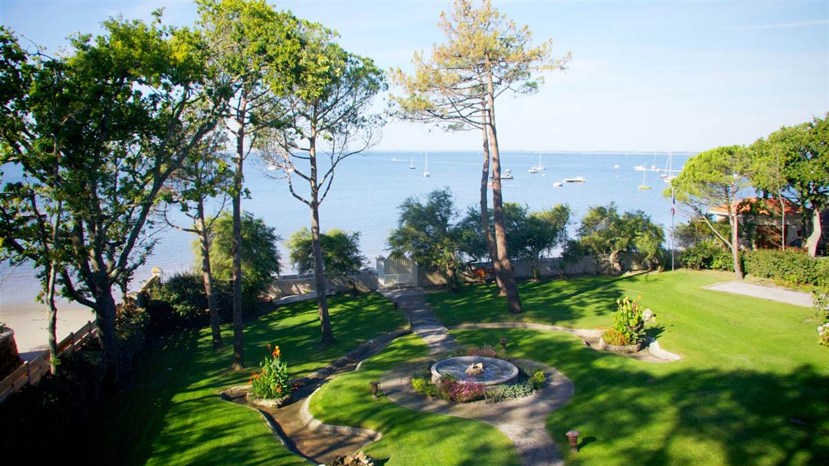 garden sea view from loggia 7658